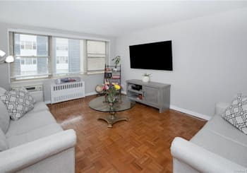 Just Listed: 12 Old Mamaroneck Road Unit: 6A, White Plains