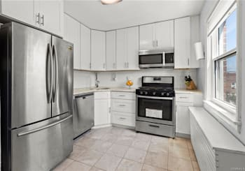 Just Listed: 8 Leewood Circle Unit: 7R, Eastchester