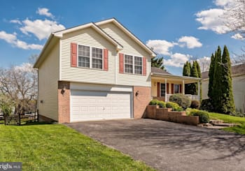 Just Listed: 321 Snowfall Way, Westminster