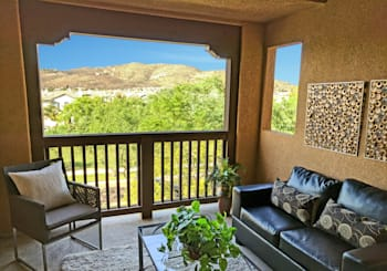 Now Available: Upgraded Townhome with VIEWS!