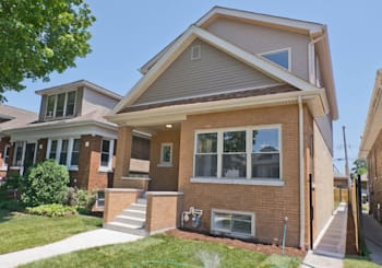 Video: a newly-renovated single-family home in Irving Park