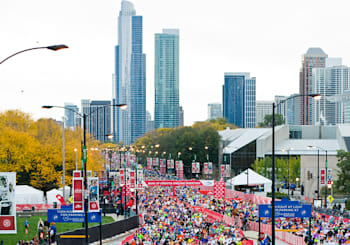 Cheer the Chicago Marathon Near Loop Homes