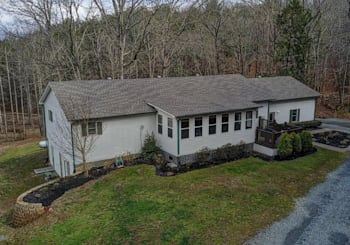 JUST LISTED! SPACIOUS 2 LEVEL HOME ON 3.13 MTN VIEW ACRES WITH HANDY 2 CAR GARAGE & WORSHOP!