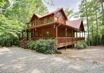 MOUNTAIN VIEW CABIN JUST LISTED IN MORGANTON…GREAT LOCATION IN FOLKLORE MTN COMMUNITY!