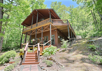 JUST LISTED! 3202 CREEK VIEW ROAD HIAWASSEE, GA!