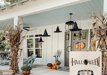 11 Tasteful Halloween Decor Ideas That'll Make Your House Stand Out (in a Good Way)