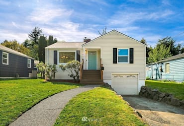 Just Sold: 3825 35th Avenue, Seattle