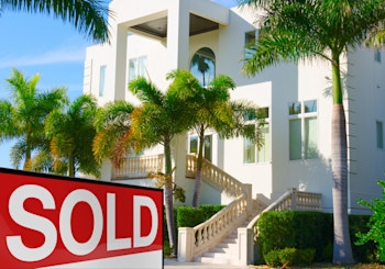 Auctions for Luxury Homes Gain Traction