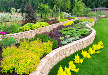 Landscaping – A Key to Selling Your Home