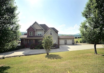 UPSCALE HOME JUST LISTED IN BLAIRSVILLE…GREAT LOCATION MINUTES TO LAKE NOTTELY!