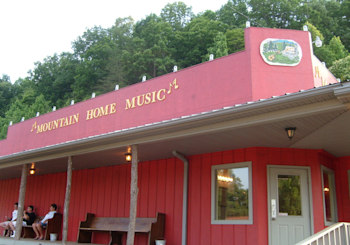 Saturday Night Music at Mountain Home Music Theatre