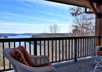 JUST REDUCED!!! Private Luxury Mountain Home on Carters Lake in Ellijay, GA!