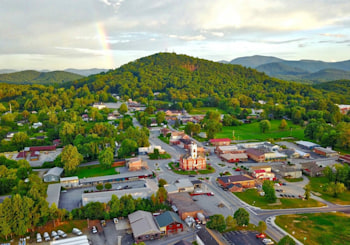 A Taste of the Mountains in Downtown Blairsville, Georgia!