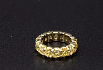 Just Listed: 18kyg Eternity Ring