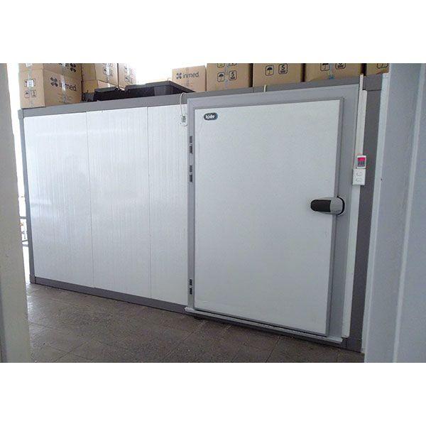 Puerta frigorífica para cámara refrigerada