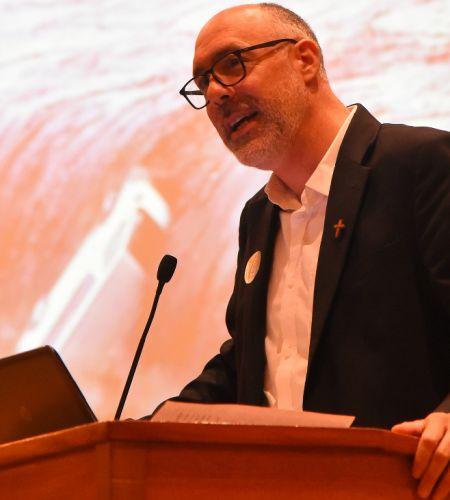 """Francisco Jiménez sj: """"El magisterio del Papa tiene que ver con los problemas que preocupan a los jóvenes"""""""