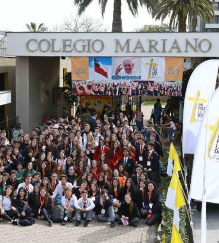 Partió iniciativa #ModoPapa:  Voluntarios recorren colegios para motivar a los jóvenes