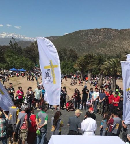 Coordinadores de voluntarios papales participan en peregrinación a Santa Teresa de Los Andes