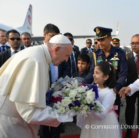 Francisco pidió a la comunidad internacional tomar medidas para enfrentar la crisis de los rohinyás