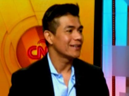 Américo habla del himno del Papa en CNN en Español