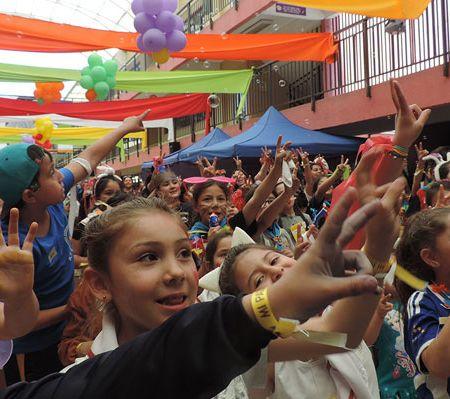 Campamentos, videos y murales: Cómo se preparan los colegios católicos para la visita del Papa Francisco