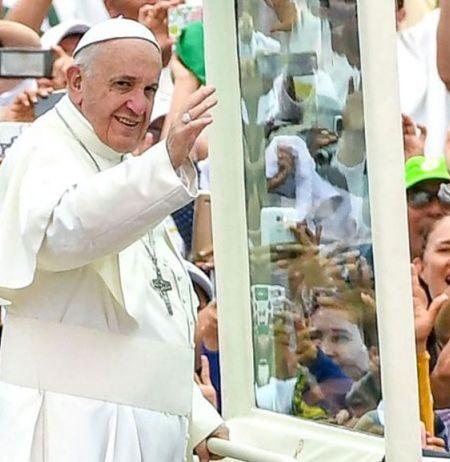 Barilochenses se alistan para presenciar la misa del papa Francisco en Temuco