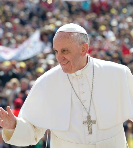 ¡Lleva comida y piso plegable! Recomendaciones para los encuentros masivos con el Papa