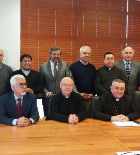 Comisión nacional encargada de coordinar visita papal se reúne en la UC Temuco