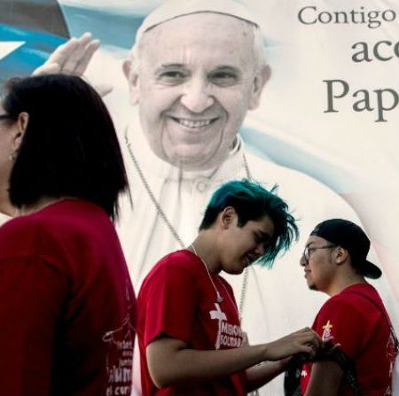 Las esperanzas y las heridas de Chile en espera del Papa Francisco