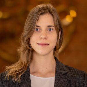 Yvonne Knap