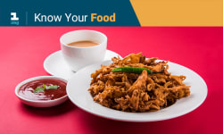 Top 8 Foods To Avoid In Monsoons And Why