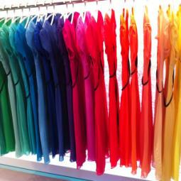 Bring Dich mit den richtigen Farben zum Strahlen