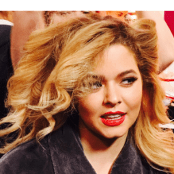 Sasha Pieterse: Pretty Little Liars Star im Kreuzfeuer