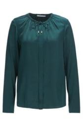 Regular-Fit Bluse aus elastischer Seide mit gerafftem Ausschnitt