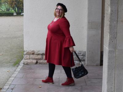 Dunja Wermter im roten Kleid
