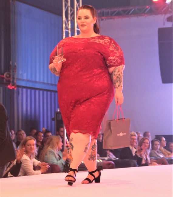 Tess Holliday mit Support Award