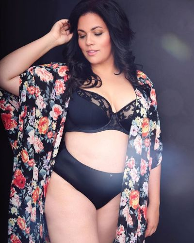 Wundercurves Plus Size Model Insta Shop