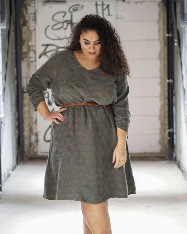 Sanduhr Figur Kleid