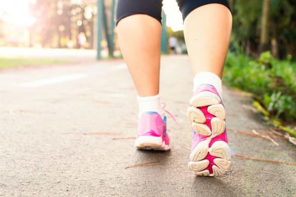 Sport für Übergewichtige Nordic Walking