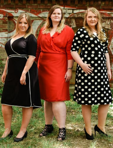 Das Wundercurves-Team mit Kleidern von Belloya. Holländische Mode große  Größen 89c7c1fd6e