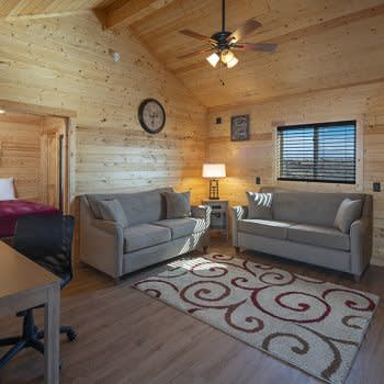 GRAND CANYON CABIN & HELICOPTER TOUR