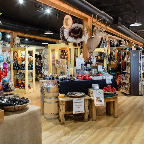 GRAND CANYON WEST RIM HOTEL CABIN STAY HUALAPAI RANCH GIFT SHOP