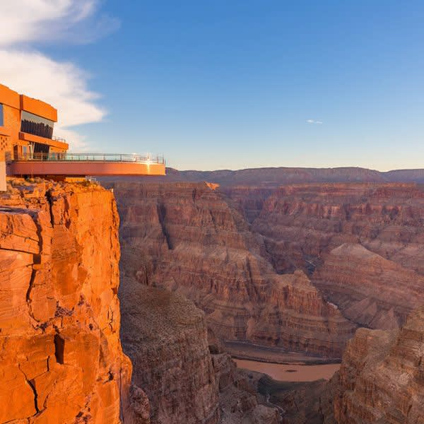 GRAND CANYON WEST RIM HOTEL CABIN STAY HUALAPAI RANCH SKYWALK