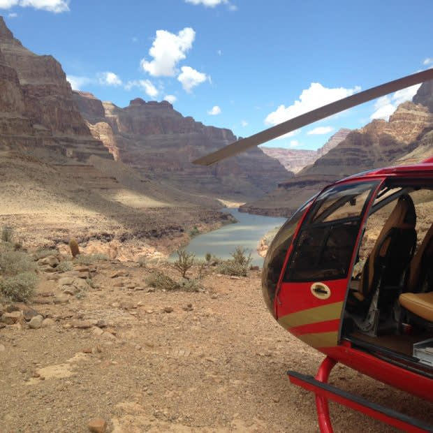 GRAND CANYON FLOOR LANDING HELICOPTER TOUR
