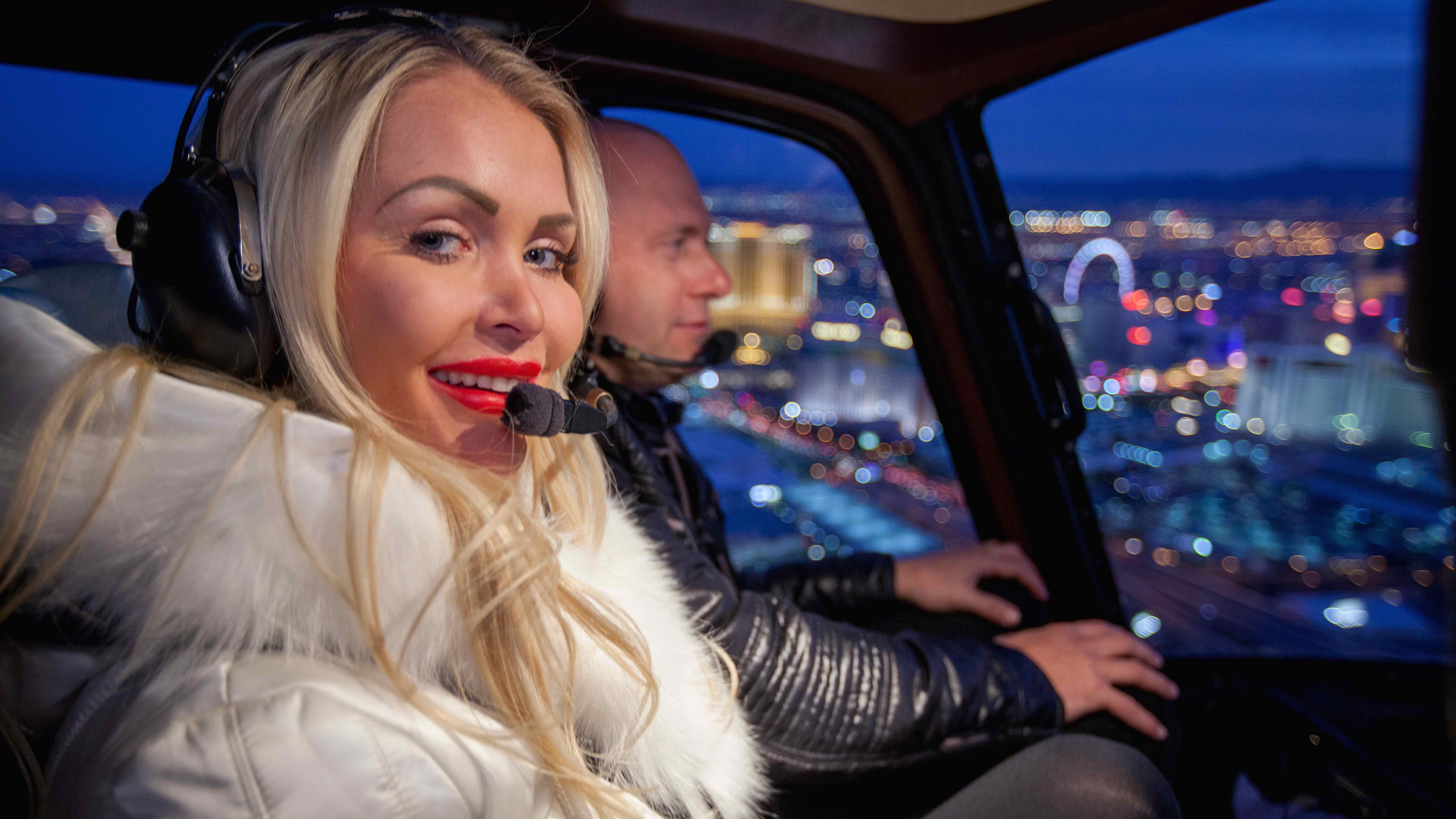 Las Vegas Strip Helicopter Tour And Dining Experience