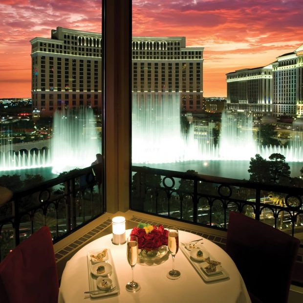 ROMANTIC LAS VEGAS VIP HELICOPTER STRIP FLIGHT & EIFFEL TOWER DINNER CELEBRATION