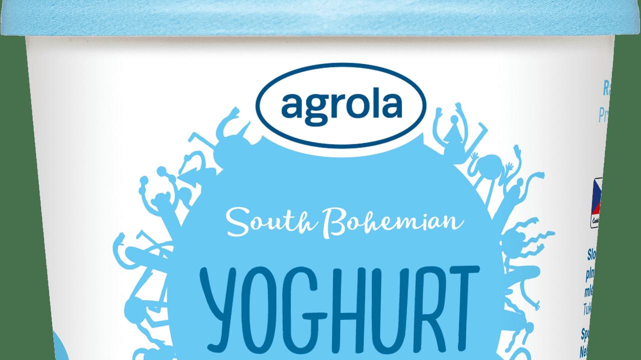 Jogurt-v-kelímku-bílí-en