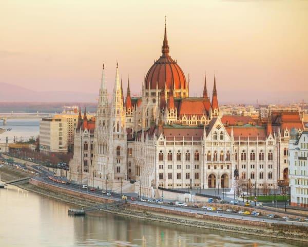 Budapest, Ungarn (F, L, M)