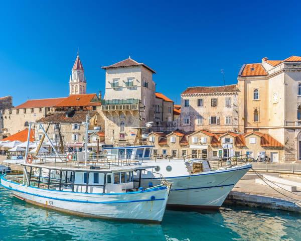Ankomst og besøk i Trogir (L, M)
