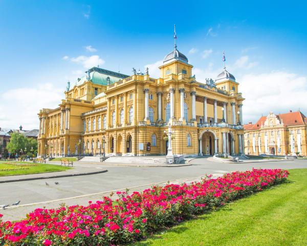 Zagreb (F, M)